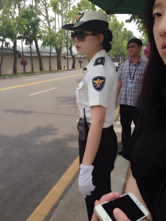 女警���9�����:`kz`a���_中日韩朝印五国女警 还是中国的最正气