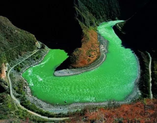 比稻城亚丁更美,四川这个小城低调地美了四季!