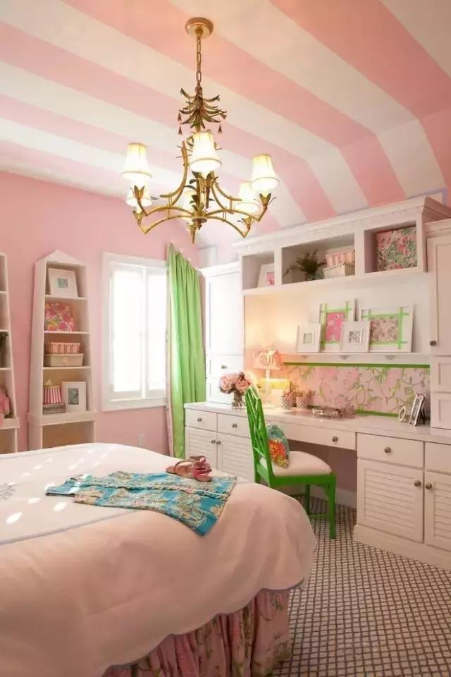 女生卧室壁纸简单大方