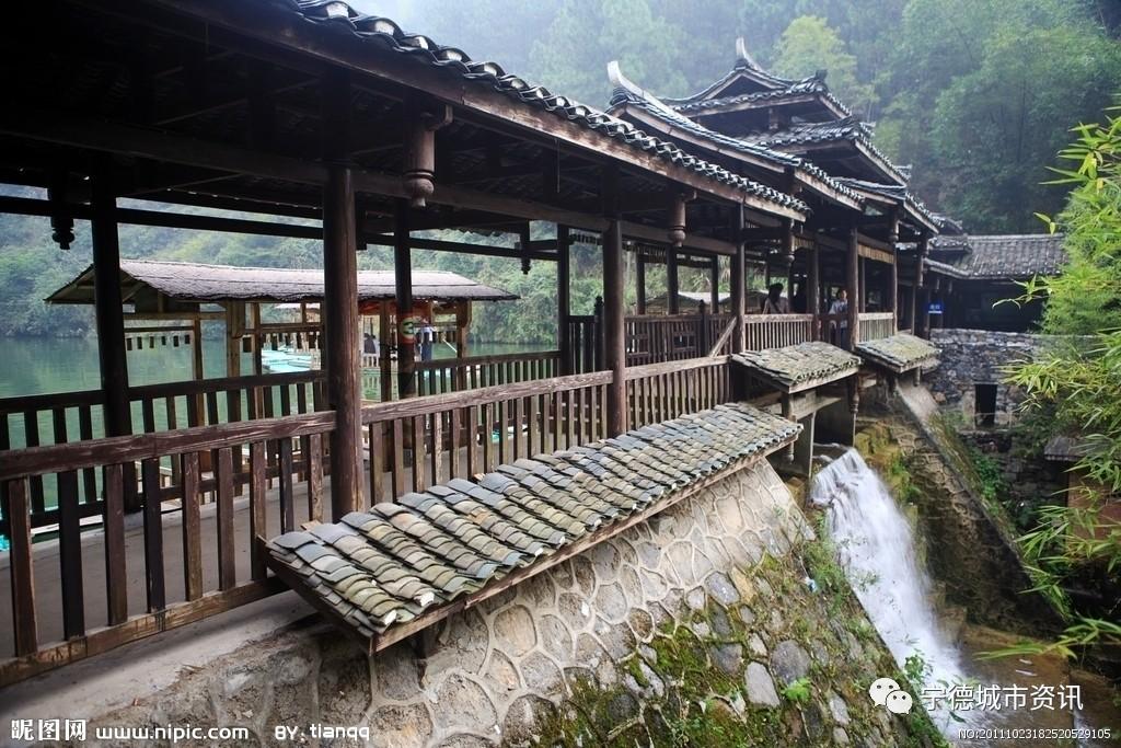 《爱在廊桥》讲述了发生在世界廊桥之乡福建省寿宁县的一段凄美的爱情