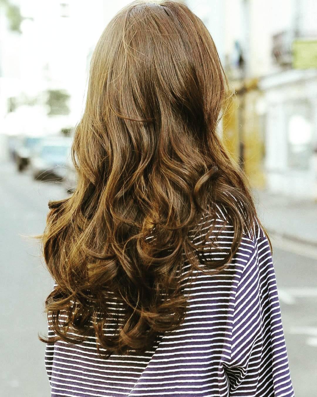 长发大波浪的发型显得过于成熟了怎么办?图片