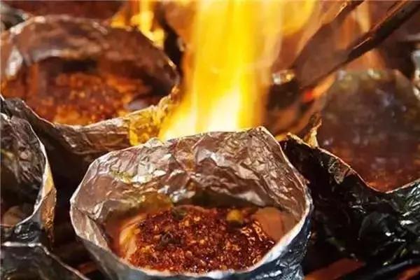 推荐5家重庆人爱吃的烤脑花,就爱那一口重佐料!