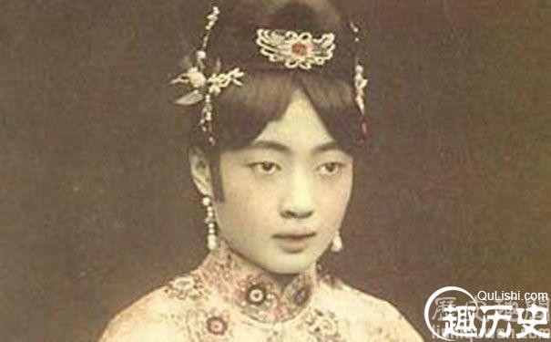 末代皇妃文绣因为衣服好看才被选上的吗