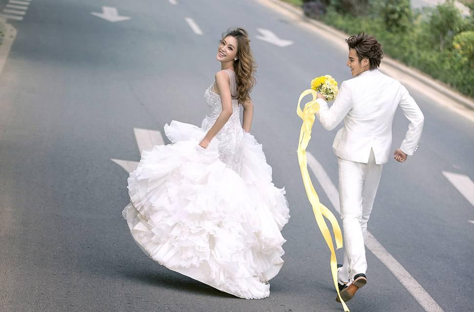 成都婚纱摄影 如何把拖尾婚纱的美演绎的淋漓尽致