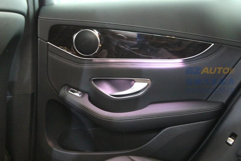 深圳奔驰glc260安装氛围灯_车内最美氛围灯装饰