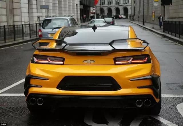 《变形金刚》中的开心果 大黄蜂camaro 搜狐汽车 搜狐网