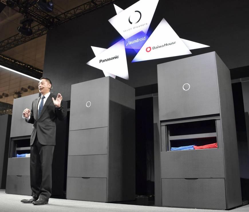 日本风险企业开售叠衣服机器人 售价200万日元