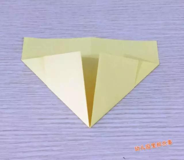 幼儿园亲子手工之折纸飞机[图文版]