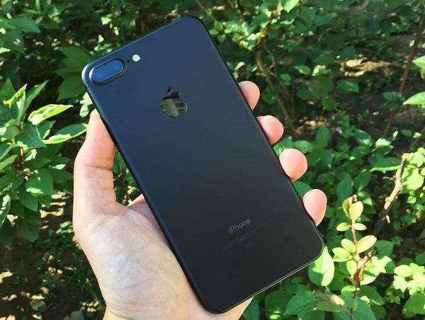 图为手机制造的标杆IPhone 7 Plus-2017国产热门手机 金立S10全方位图片