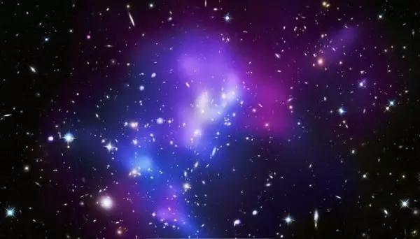 教你如何用简单的ps制作出绚烂的星空头像