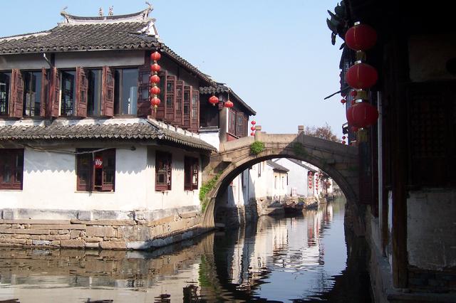 中国第一个拥有4座高铁站的城市,却没有飞机场