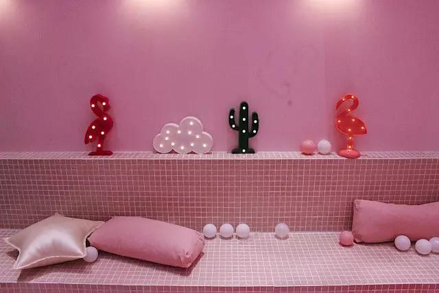 这间33m2的美食店,一池甜品球,炸裂软件心!_v美食海洋建筑设计都用少女图片