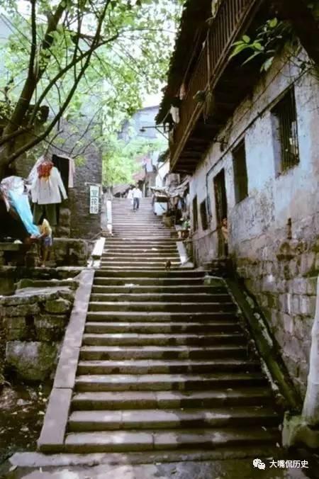 90年代的山城重庆罕见彩色老照片图片