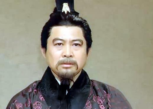 此人给汉灵帝出了个馊主意,结果把东汉分成三国