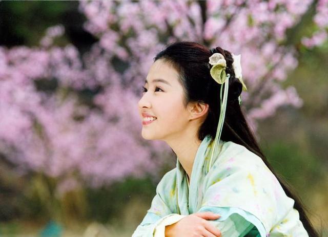细数古装青衣女子,刘亦菲最有仙气,但是最美的却
