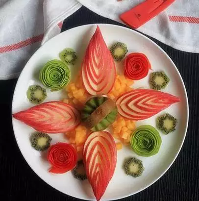 大厨教你的这些创意摆盘技巧,让你的菜品锦上添花