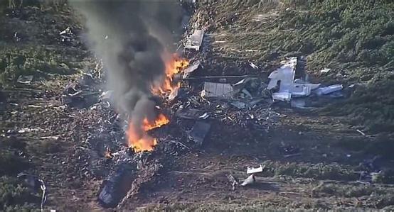 美国军机坠毁5人死亡 乘坐飞机航空意外险必备!