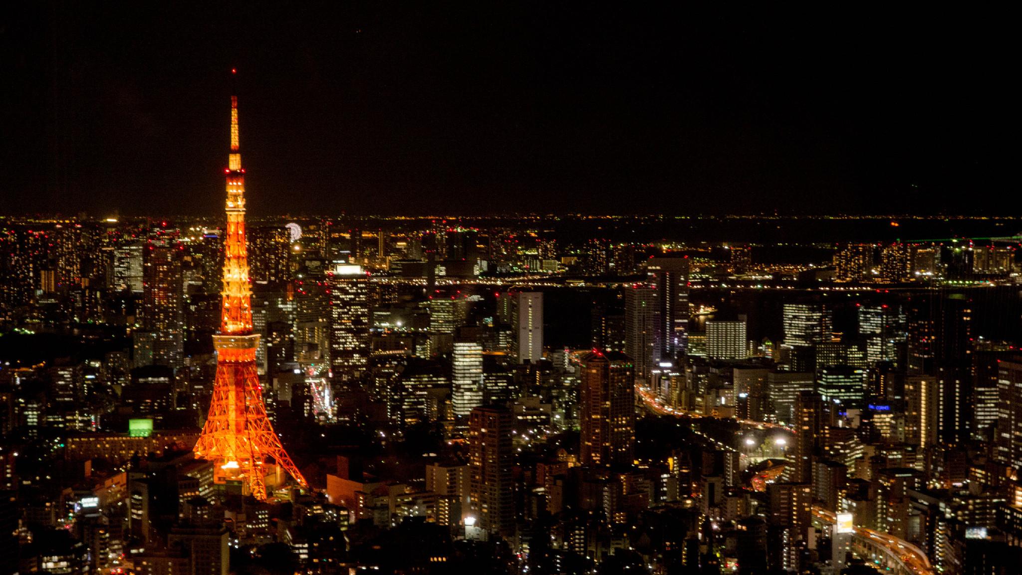 在富士山下看东京铁塔