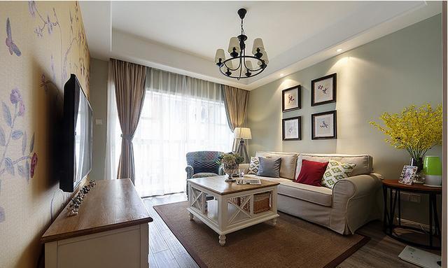 刚装修的房子太漂亮了,干净整洁,客厅落落大方