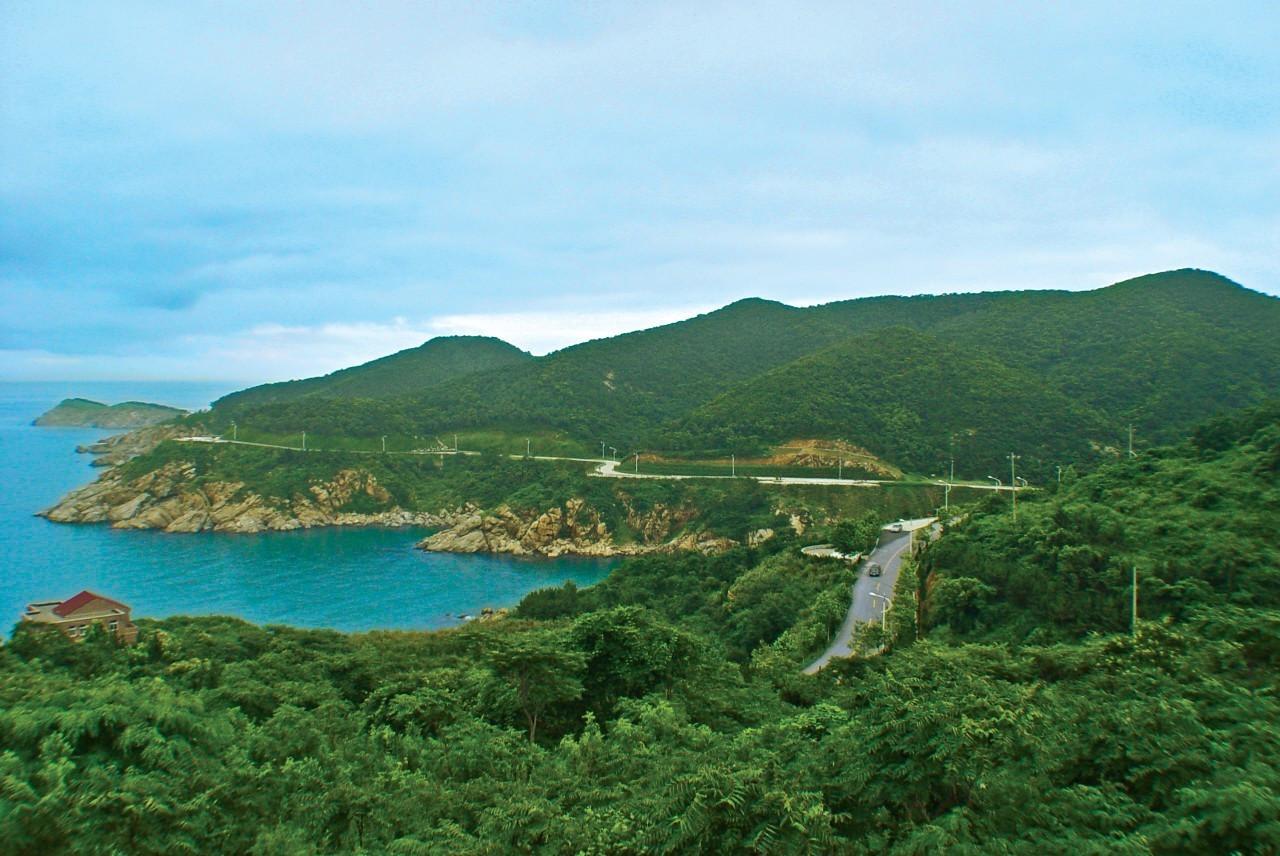 旅游 正文  交通指南:在刘公岛客运中心乘船前往,约15分钟抵达岛屿