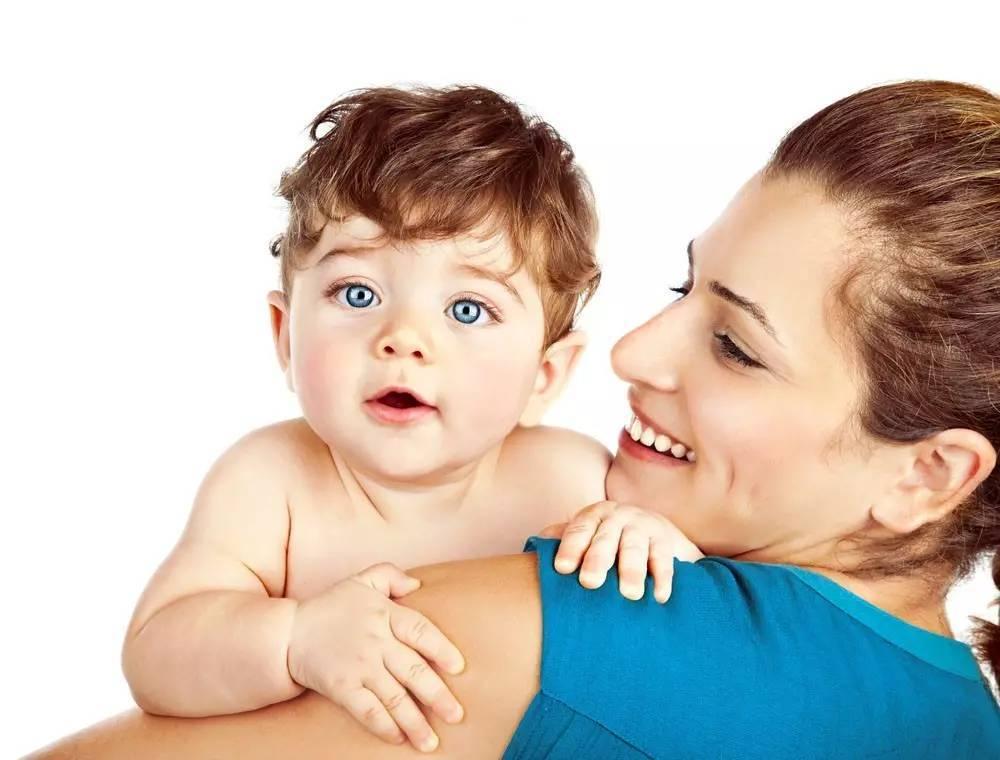 刚出生的宝宝囹�a_刚出生不久的宝宝 请妈妈多抱抱
