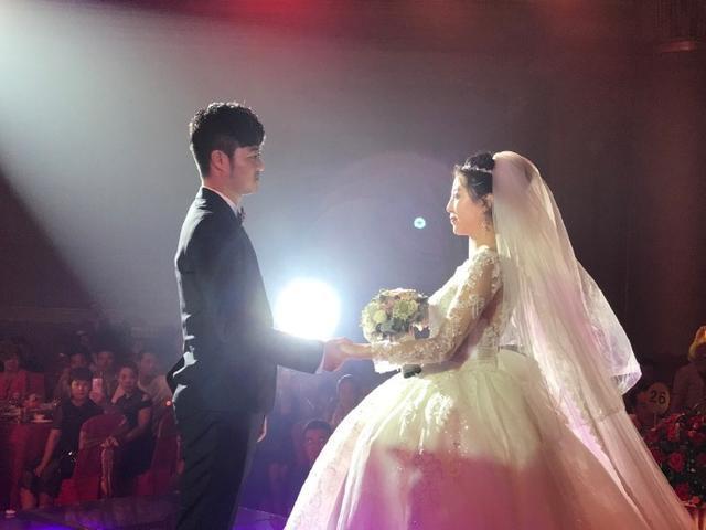 最近白清明的新娘是什么人,长什么样子?金鸿明的妻子叫王鹤凝.