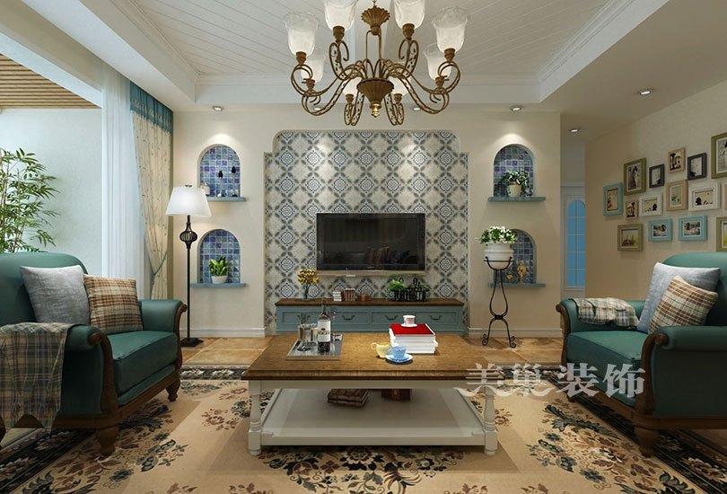 电视背景墙,运用石膏板做造型,中间运用能体现地中海风格的小面积瓷砖