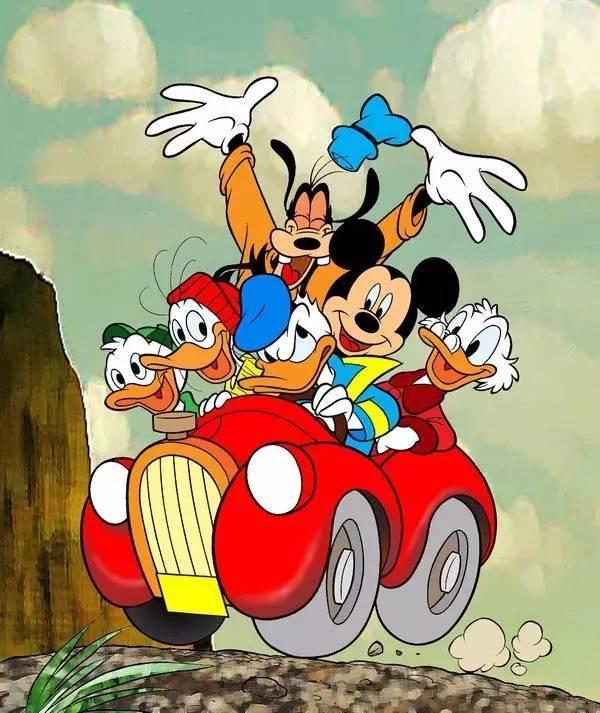 米老鼠和伙伴们快乐地开着车兜风 《猫和老鼠》 杰瑞大概是名气仅次于米老鼠的老鼠了,出现在老少皆宜的动画片《猫和老鼠》里。片中围绕着汤姆(猫)总想捕捉和驱赶同居一室的杰瑞,但在追逐的过程中常常反被杰瑞捉弄,从而引发的一系列爆笑故事。杰瑞因此成为世界影迷最喜爱的动画形象之一。