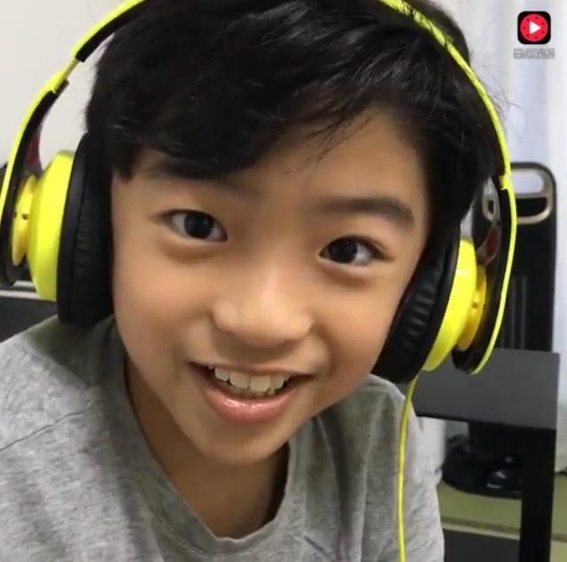 张柏芝自爆和弟弟做_张柏芝与儿子视频图片