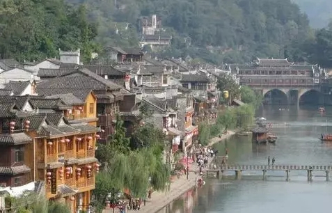湖南旅游地�_湖南最难忘的7个旅游地,个个美如画