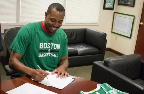 终于签下了皮尔斯,绿军这一举动看哭了多少人!