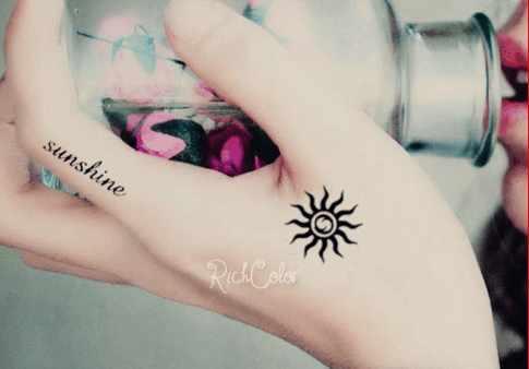 太阳系列纹身 好美的纹身后裔还舍得把它射熄火吗图片