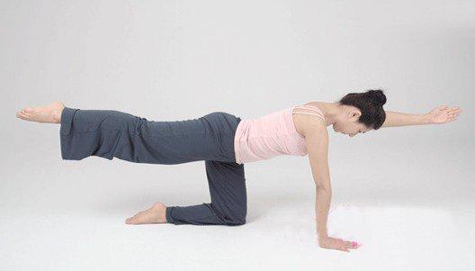 7个瑜伽体式帮你缓解背部疼痛图片