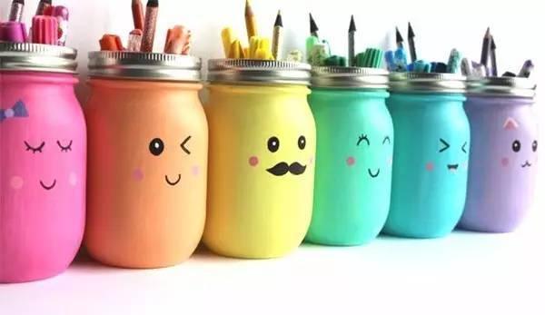 手绘丙烯颜料玻璃瓶做画