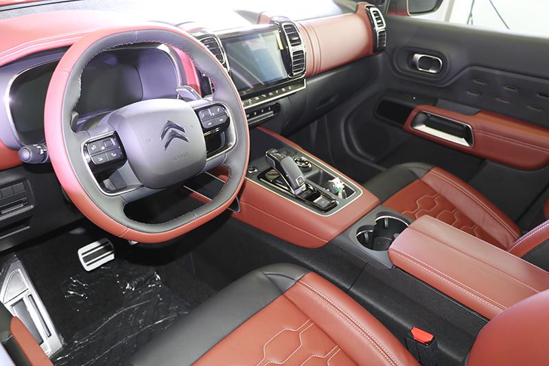 http://img10.360buyimg.com/n0/g17/M00/00/04/rBEbSFNpmVsIAAAAAAaii3VPNskAAABxAHTqFwABqKj426.jpg_汽车 正文  全铝制机罩,由诺贝丽斯(n0velis)生产,帮助整车质量降低约