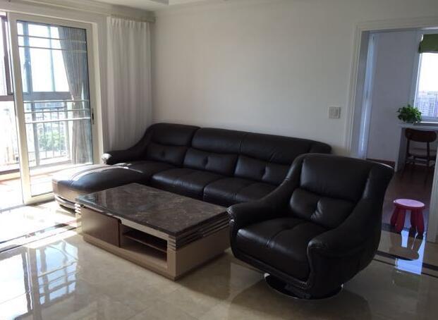 房产 正文  木地板买好了 155/平 踢脚线18元/米 铝膜 1元/米 42平,50