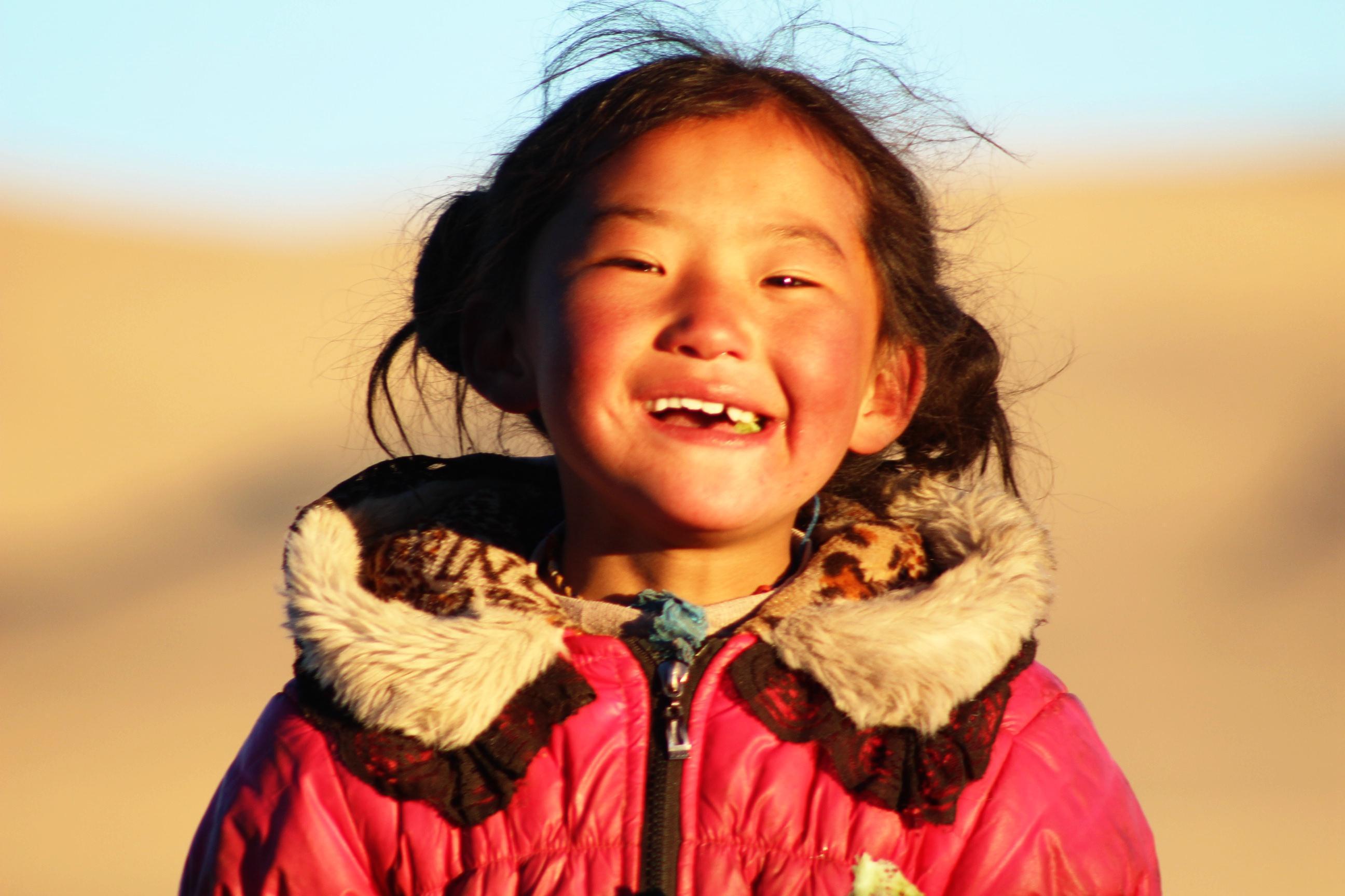 孩子的笑容-我们自以为是的物资帮助真的帮助了这些孩子吗