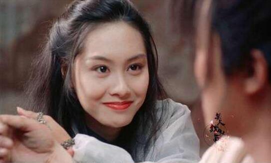 """46岁""""紫霞仙子""""朱茵,老得太快,成半老徐娘"""