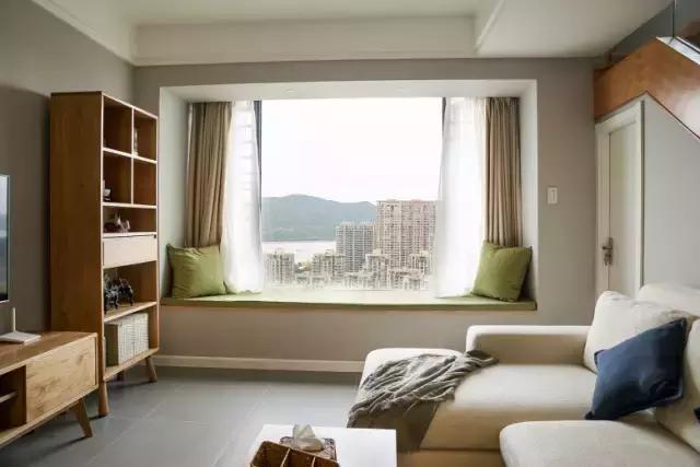 宜家风的小复式,客厅的飘窗好漂亮!