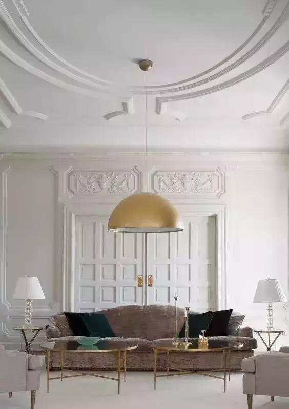 也可以用石膏线装饰的屋顶或顶角,不过貌似这样的装饰 在欧式住宅设计