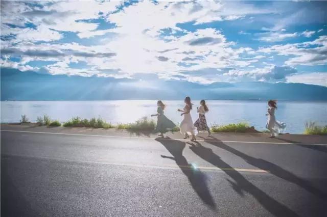 回忆刻骨铭心  小太阳_洱海边最美民宿,我想和你一起面朝大海春暖花开