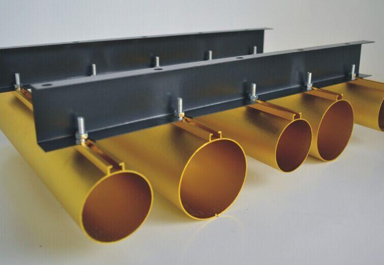 铝方通吊顶效果非常鲜明,流畅的线条感是其最大的特点,这就使得铝方通
