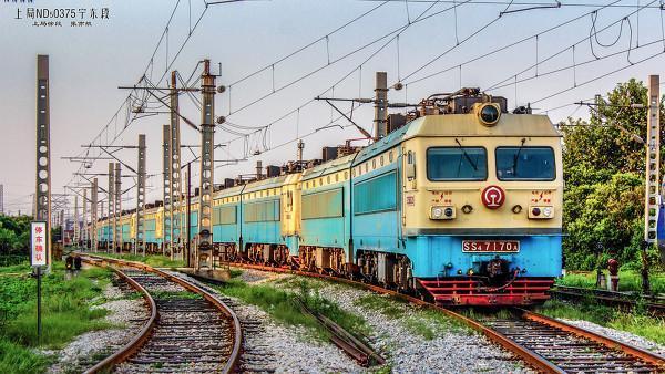 货物运输为一体的特大型路网性车站,是徐州铁路枢纽中的主要编组站,为