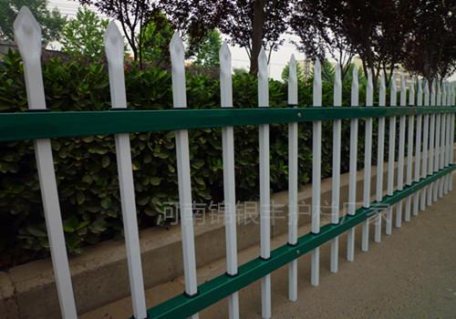 护栏姐:热镀锌阳台护栏厂家护栏姐武志山在哪里?