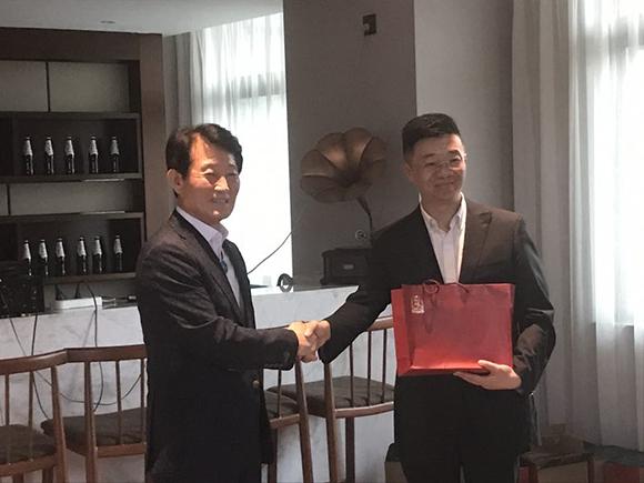 现场采访韩国jk整形医院事务局局长朴承哲