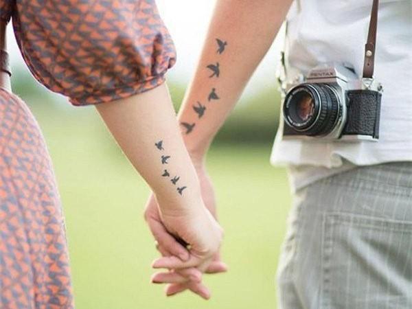 简单别致的情侣纹身,秀一场高调的恩爱图片