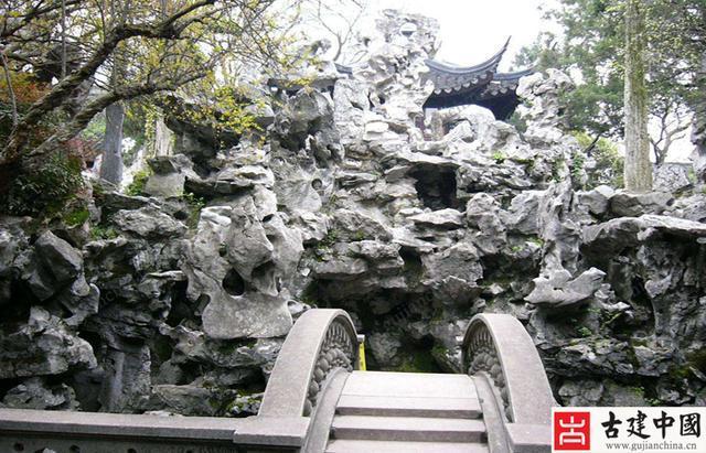 假山是中国古典园林中的一个重要元素,它在各个时代都扮演着很重要的