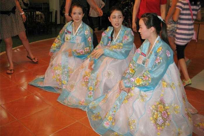 朝鲜普通人家的女孩 工作后变成金凤凰