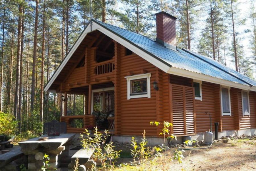 传统的芬兰小木屋