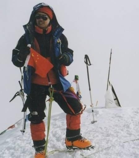 """王石/""""王石成功登上珠峰,成为中国登顶珠峰年龄最大的一位登山者"""""""